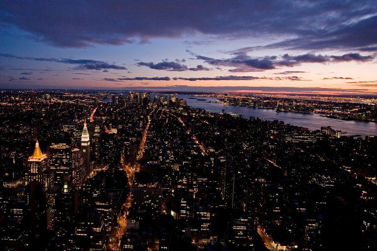 Dankbarkeit, dankbar sein; New York, city at night